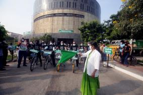 cycle-rally-for-corona-vaccination-awareness-participation-of-doctors-and-medical-staff-on-behalf-of-the-tamil-nadu-government-multipurpose-high-specialty-hospital
