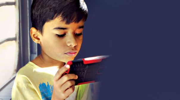 we-are-also-feeding-the-kids-a-smartphone-with-food