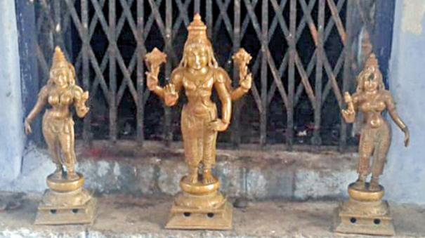 aimpon-statues-in-temple