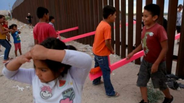 seesaws-let-kids-on-each-side-of-us-mexico-border-play-together