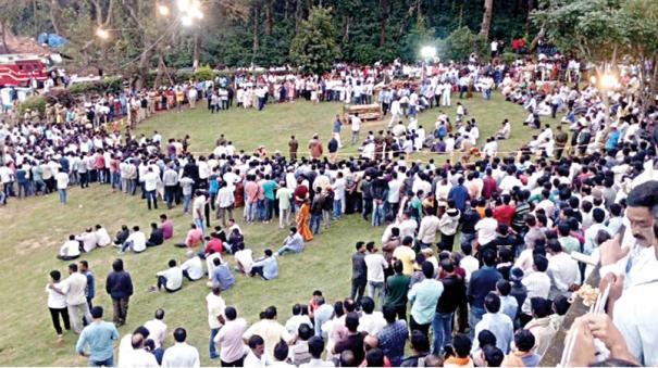 ccd-founder-siddhartha-cremation