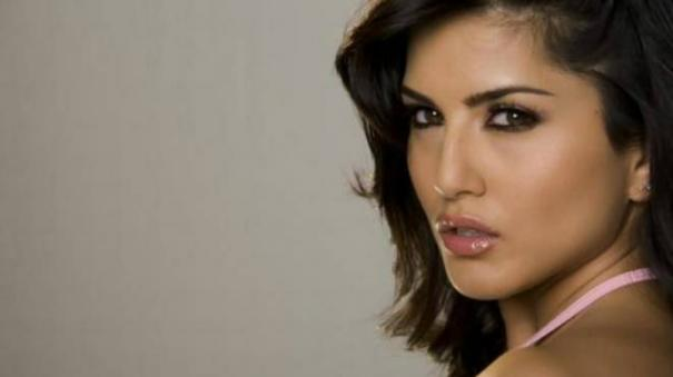 sunny-leone-causing-trouble-to-delhi-youth