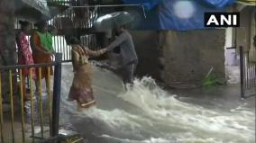 mumbai-rains-amid-heavy-showers-police-ask-people-to-travel-only-if-necessary