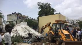 3-killed-6-injured-as-overhead-water-tank-collapses-in-ahmedabad