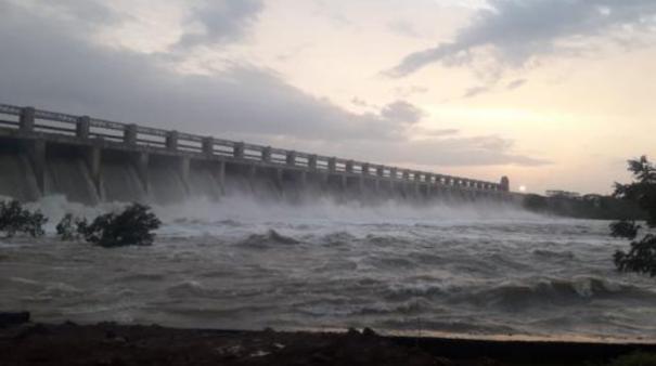 rumour-of-tungabhadra-dam-breach-creates-panic-among-villagers-downstream