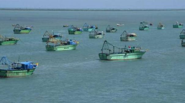 srilankan-navy-arrested-7-tn-fishermen