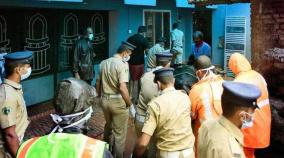 in-kerala-mosque-becomes-autopsy-room-as-landslip-hinders-transportation