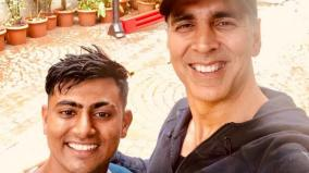 fan-walked-900-km-to-meet-akshay-kumar