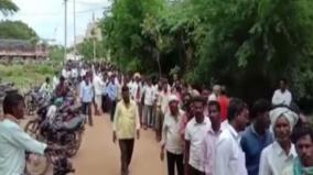 telangana-farmer-dies-standing-in-queue-for-urea-bjp-attacks-govt