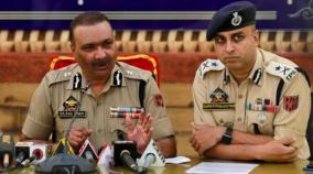 restrictions-lifted-from-most-parts-of-kashmir-private-vehicles-on-roads-in-srinagar