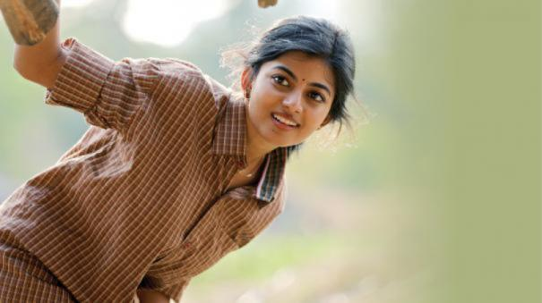 kayal-anandhi-new-movie-title-is-kamali