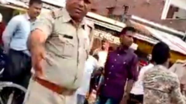 two-uttar-pradesh-policemen-suspended-for-humiliating-bike-rider