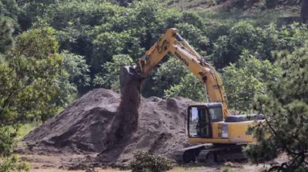 44-bodies-found-in-mexico-well-victims-identified