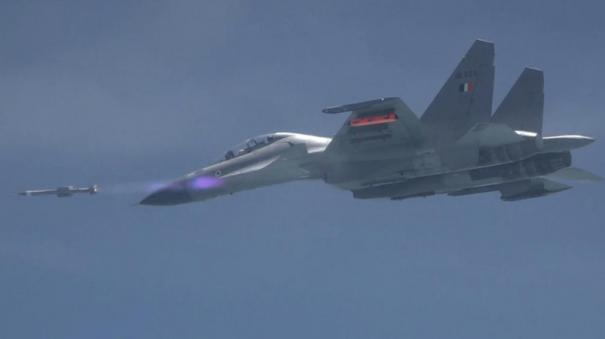 indian-air-force-successfully-flight-tests-air-to-air-astra-missile-from-sukhoi-30-mki