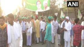 up-farmers-go-on-rally-towards-delhi