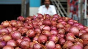 onion-prices-surge-to-rs-70-80-kg-centre-mulls-imposing-stock-limits