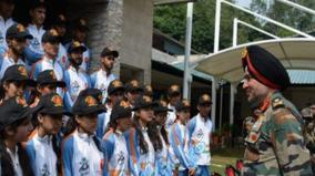 northern-army-commander-interacts-with-j-k-students