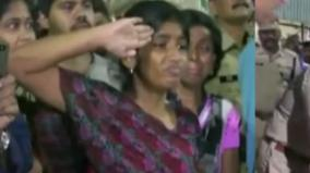 crpf-jawan-s-daughter-pays-tribute-to-her-father