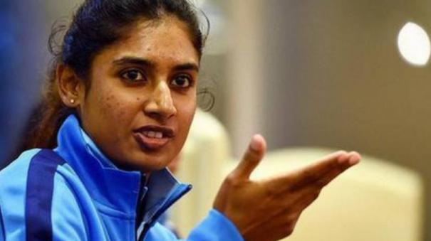 mithali-raj-1st-woman-to-complete-20-years-in-int-l-cricket