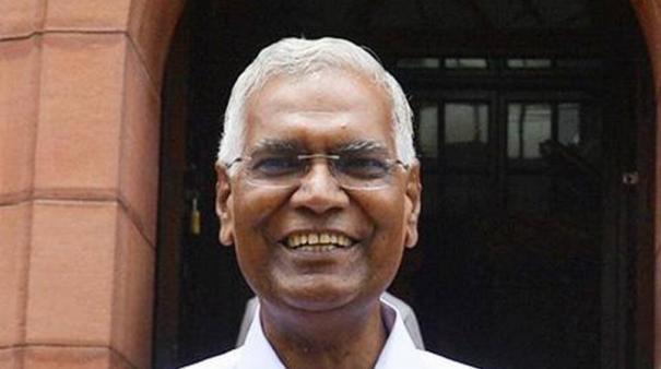 after-savarkar-bjp-may-propose-bharat-ratna-for-godse-d-raja