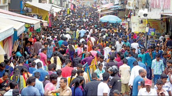 diwali-crowd-at-tnagar-vannarpet