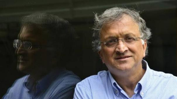 my-conscience-won-t-accept-it-ramachandra-guga-refuses-salary-for-coa-post-in-bcci