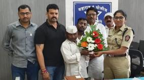 on-diwali-man-with-rs-3-in-pocket-returns-rs-40-000-found-at-bus-stop
