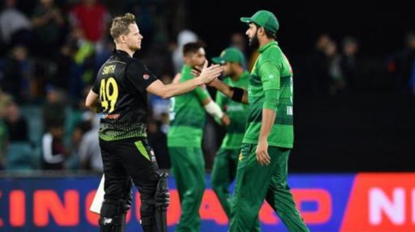 steve-smith-s-brilliant-innings-over-shadows-poor-bowling-from-pakistan-aussie-leads-the-series-1-0