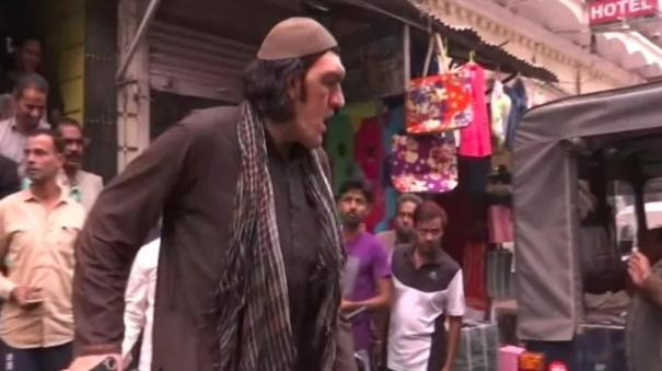 8-feet-tall-afghan-cricket-fan-struggles-to-find-place-to-stay-in-lucknow