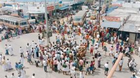 ardhanari-palayam-people-s-road-strike-urging-to-capture-the-threatened-wild-elephant-over-15-buses-captive