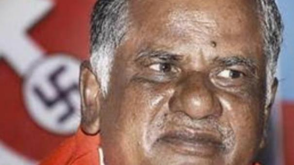 banner-issue-r-mutharasan-condemns-aiadmk