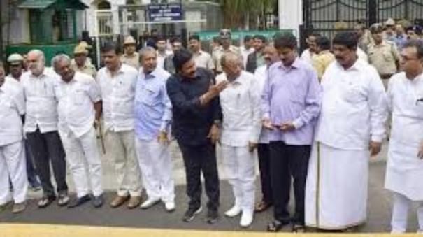 sc-upholds-order-of-former-karnataka-assembly-speaker-disqualifying-17-mlas