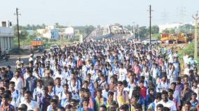 traffic-jam-due-to-admk-rally-in-melur