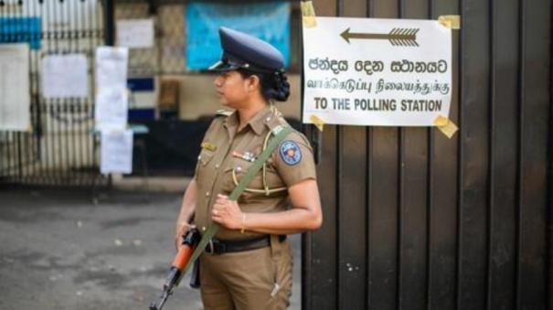 sri-lanka-presidential-election-gunmen-open-fire-on-bus-carrying-voters-in-mannar