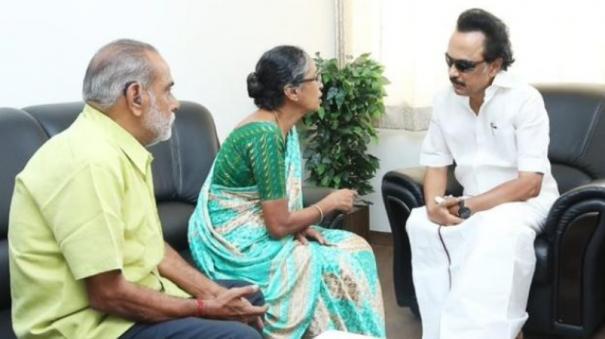 stalin-calls-on-parents-of-injured-girl-rajeswari-donates-5-lakh-for-medical-expenses