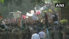 jnu-students-start-protest-march-stopped-by-police