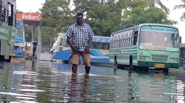 thiruchendur-rain-transport-staff-go-on-strike