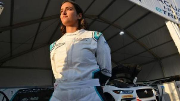 first-saudi-woman-to-drive-race-car-in-kingdom