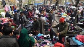 srinagar-flea-market-abuzz-with-shoppers