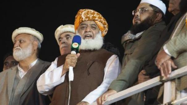 influential-pak-cleric-calls-for-re-elections-in-next-3-months