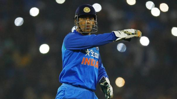 can-never-forget-rousing-reception-we-received-after-winning-2007-world-t20-2011-world-cup-dhoni