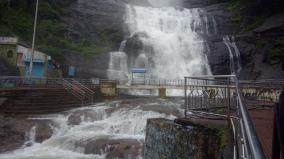 heavy-rains-in-tenkasi-4-dams-reaches-its-full-level-courtallam-falls-entry-restricted