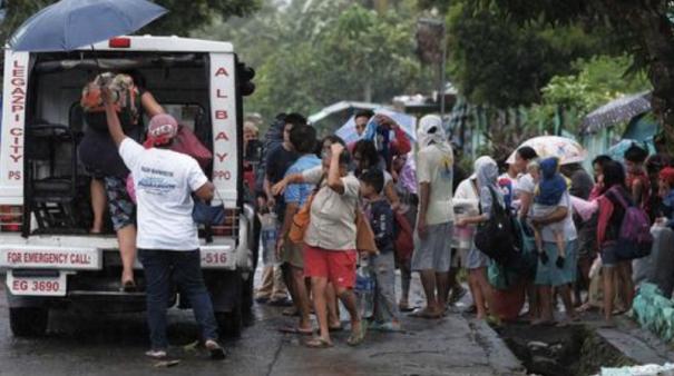 200-000-evacuated-as-typhoon-kammuri-lashes-philippines
