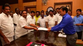 now-dmk-petition-for-karunanidhis-statue-to-be-set-up-in-madurai