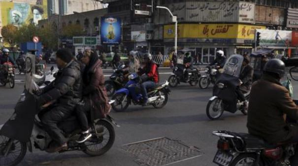 afghans-leave-iran-in-thousands-as-economy-worsens