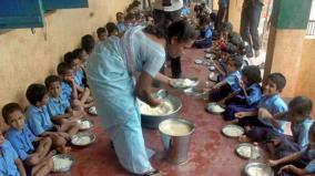 students-skip-mid-day-meals-without-onions-in-karimnagar-district-of-telangana
