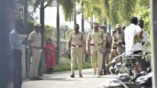 theft-in-salem-jewellery-owner-s-house