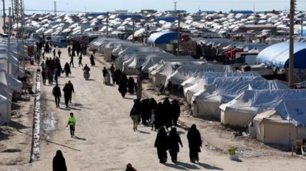 residents-of-the-karnaz-town-in-the-syrian-province-of-hama-are-returning-to-their-homes