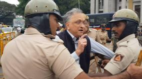 historian-guha-scores-of-protesters-detained-in-karnataka