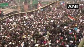 thousands-protest-against-citizenship-law-near-jama-masjid